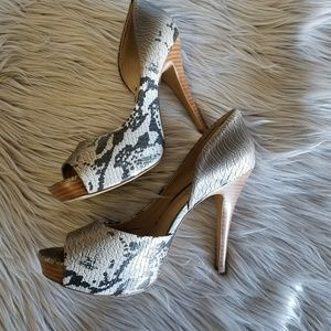 🆕️ Jessica Simpson Snakeskin Heels